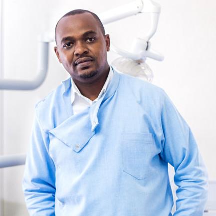 dr-daniel-kemei-tabasamu-dental